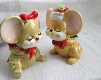 BOXING DAY SALE Christmas mouse salt and pepper shakers / Christmas salt and pepper shakers