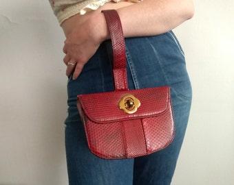 1940s Red Snakeskin Wristlet Handbag in Great Condition
