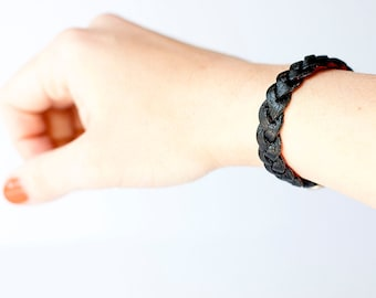 Braided Leather Bracelet / Reversible / Black & Red