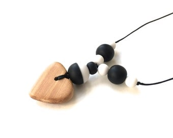 Aphrodite Teething Necklace - Nursing Necklace - Breastfeeding Necklace - Juniper Heart - Monochrome - Black and White