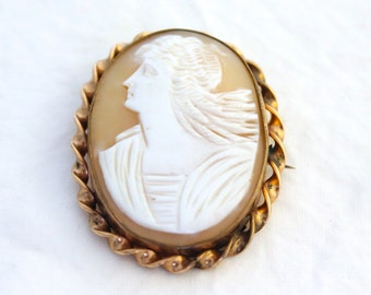 Antique Cameo Brooch Victorian Goddess Shell Pin