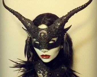 Morrigan Witch mask & collar
