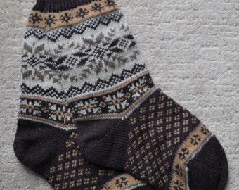 Wool Socks, Norwegian Scandinavian folk art, hand crafted 100% Wool, Fair Isle Snowflake, size Medium  Large