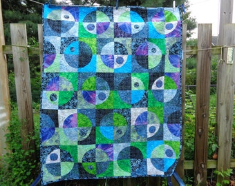 Batiks Wall/ TV Quilt My Universe Crazy Curves 0812-08