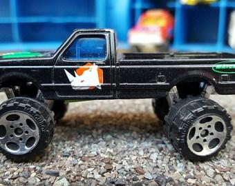 Matchbox Ford F-150 Rhino Pickup Truck -- VP182