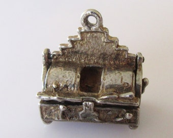 Fish and Chips Fryer Silver Charm Opens