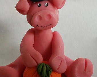 Polymer clay Halloween, polymer clay, pink pig, hand sculpted, pig witch