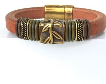 Hippie Style - Leather Bracelet - Brass Bracelet  - Cuff Bracelet - Nature Jewelry - Leaf Bracelet - Fall Jewelry - Womens Accessories