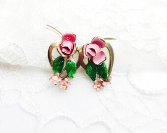 Vintage Flower Screw On Earrings, enamel, Floral Design, gold Tone, Clearance SALE, Item No. B651