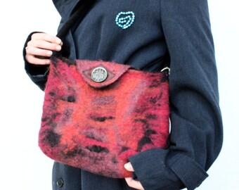 Pink felted shoulderbag