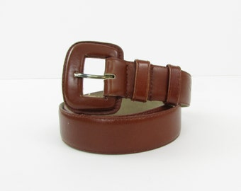 Vintage 1980s Wide Leather Women's Belt in Brown - Size Small by Ports International