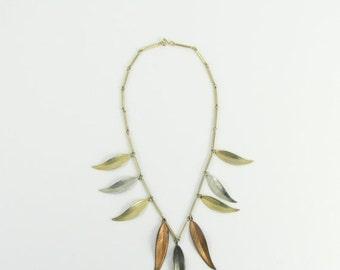 SALE Gilded Leaves Bib Necklace - Vintage 1970s Boho Leaf Necklace