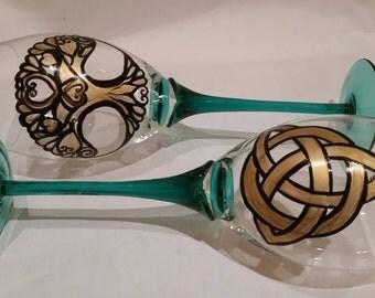 Irish wedding, toasting glasses, personalized wedding glass, hand painted glasses, celtic knot, Tree of life
