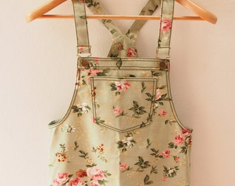 Skirtall, Floral Skirtall, Green with Pink Rose Overall, Floral Apron, Floral Overall skirtall, Vintage Inspired, XS-XL