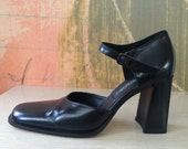 90s Kenneth Cole Heels 7.5 • Vintage Black Leather Heels • Chunky Heel Shoes • 1990s Black High Heels • Kenneth Cole • Italian Made Shoes