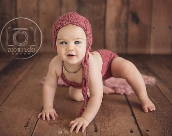 Baby knit kit hat and lace romper, vintage, photos props