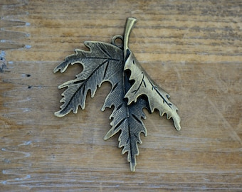 Large Maple Leaf Charm in Antique Bronze Falling Leaves Pendant Vintage Style Jewelry Supplies (BB084)