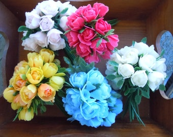 5 bunches of plastic artificial small flowers
