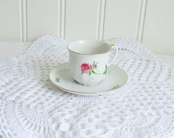 "Round  white crochet doily, vintage Swedish tablecloth , handmade  14 "" ,"