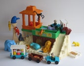Vintage Fisher Price Little People Zoo #916 1984-87 - Complete with extra