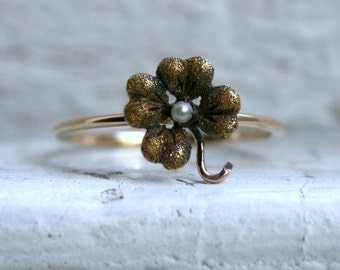 Sweet Vintage Pearl Four Leaf Clover Ring in 14K Yellow Gold.