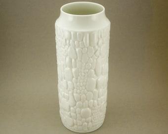 Huge Mid Century Modern 1960s white Op Art reptile skin relief Porcelain Pottery Vase by Kaiser, Germany Mad Men Era Mod Vintage ceramics
