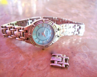 Sale RARE ARMITRON NOW Beautiful Glowing Blue Mother Of Pearl Dial Ladies Stainless Steel Water Resistant Wrist Watch For Parts Or Repair