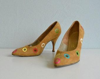 Vintage 50s Herbert Levine Shoes / 1950s Polka Dot Suede Cut Out Stiletto High Heels Pumps / Bests Apparel Size 7.5