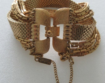 Vintage ~ Signed MONET ~ Unique Gold Tone Bracelet Consisting of 6 Chains ~ LQQK