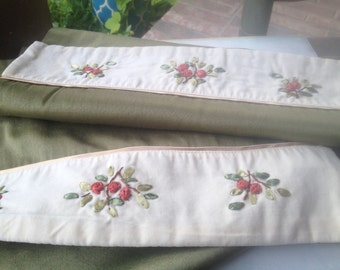 Vintage Embroidery Christmas Table Runner, Vintage Christmas Home Decor