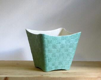 Shawnee Elegance Art Pottery Vase Mint Green Basket Weave Atomic Pot Planter Mid Century Sorcery in Ceramics