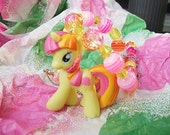 Sweetcream Scoops - Yellow & Pink  My Little Pony Blind Bag Necklace