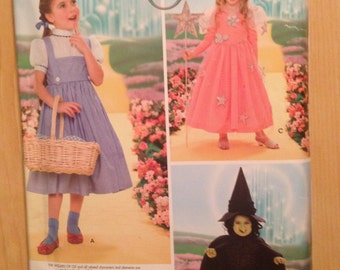 Simplicity Sewing Pattern 0623 Children's The Wizard of OZ Dorothy, Wicked Witch and Glinda Costumes Size 3-8