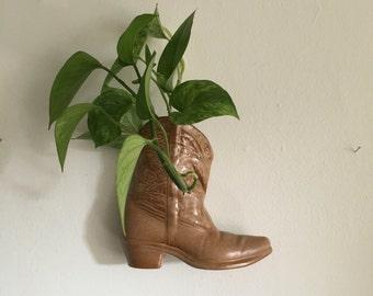 mid century cowboy wall boot planter. southwestern boho cowboy planter. cowboy boot. boho ceramic wall pocket planter. hanging planter