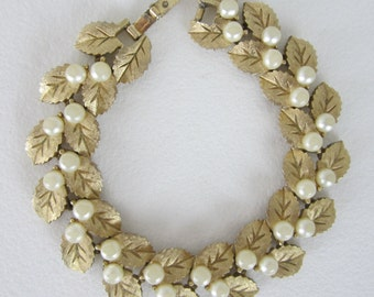 Vintage Crown Trifari Leaf Pearl  Link Bracelet - Gold Tone and Faux Pearls - Womens Fashion Jewelry - Collectible - Gift