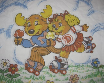 "Vintage Get Along Gang Pillowcase - Standard/Twin Size - Montgomery ""Good News"" Moose, Dotty Dog - Roller Skating"