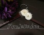 Wedding hanger, custom wire hanger, bridal hanger, bride gift, bridesmaids gift, custom made hanger