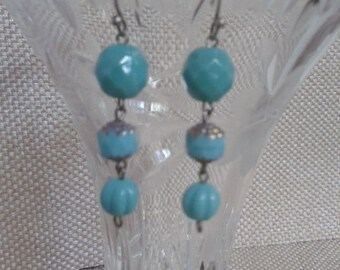 Beach Wedding, Cottage Chic, Graduated Turquoise Beads Dangle Earrings with Silver French Ear Wire, Jewelry