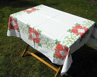 Vintage Roses Tablecloth, Large Retro Cotton Tablecloth with Red Roses and Green Accents, Floral Tablecloth, Vintage Linens, Flowers