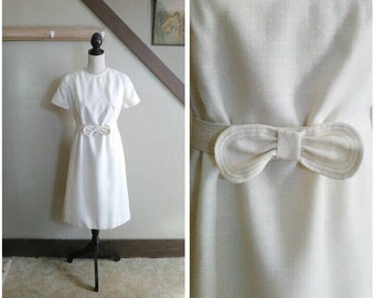 Pencil & Paper 1960s Cream Linen Short Sleeve Shift Dress with Bow Belt Detail