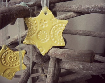 Ceramic Christmas Ornaments Yellow Star Lace Ceramic Christmas Tree Ornaments  Winter Home Decoration Gift Set of 3