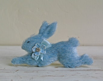 Bunny Rabbit Brooch/Running Rabbit/Hare Brooch/Woodland Animal/Animal Brooch