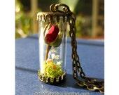 Rose bud pendant Real rose necklace Birthday necklace Terrarium June birth flower Rose Jewelry Romantic Wedding Vintage Dried flower locket