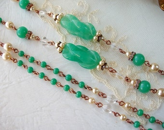 Green Long Necklace. Birthday Gifts. Beaded Sautoir. Layered Necklaces. Classic Jewelry. Flapper Necklace. Gift Ideas