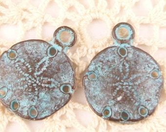 Small, Rustic, Vintage Look, Sand Dollar Charms, Pendants - Mykonos Casting Beads (4) - M92