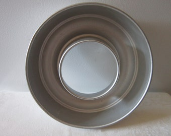 "Vintage Aluminum Mirro Jello or Cake Mold Ring 8.5"" round"