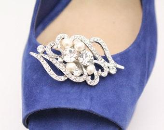 Wedding shoe clips,Pearl shoe clips,Rhinestone shoe clips,Wedding accessories,Bridal shoe clips,Crystal shoe clips,Swarovski pearl Bridal