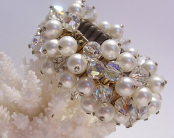 Cha Cha Pearl and Aurora Borealis Crystal Expansion Bracelet 1950's Era