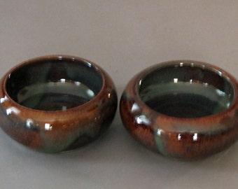 Pair of small Spaniel bowls