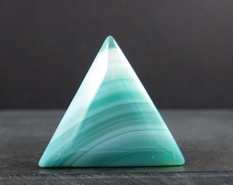 Green triangle agate cabochon B5926
